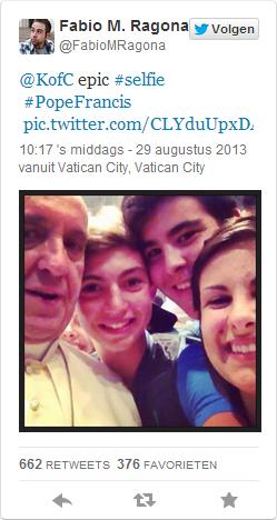 Paus door selfie virale hit op Twitter